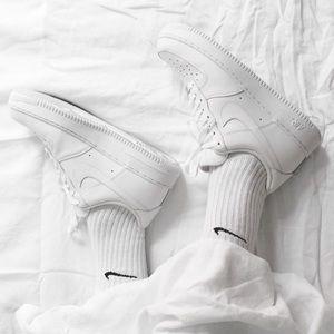 NWT Nike Air Force 1 Triple White
